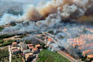 Waldbrand Waldbrände Italien - © Foto: Xinhua / Action Press / picturedesk.com