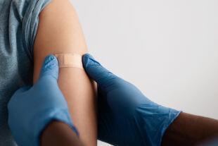 Impfung  - © Foto: iStock/Prostock-Studio