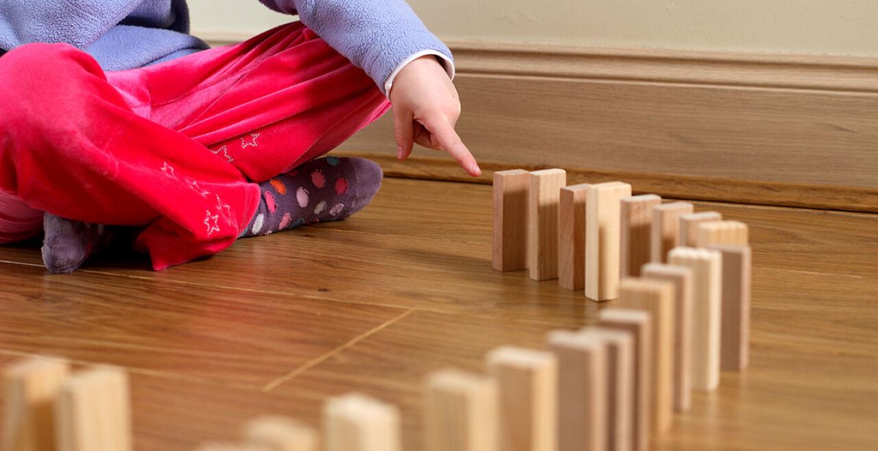 Spiel Kind - © Foto: iStock/Innershadows