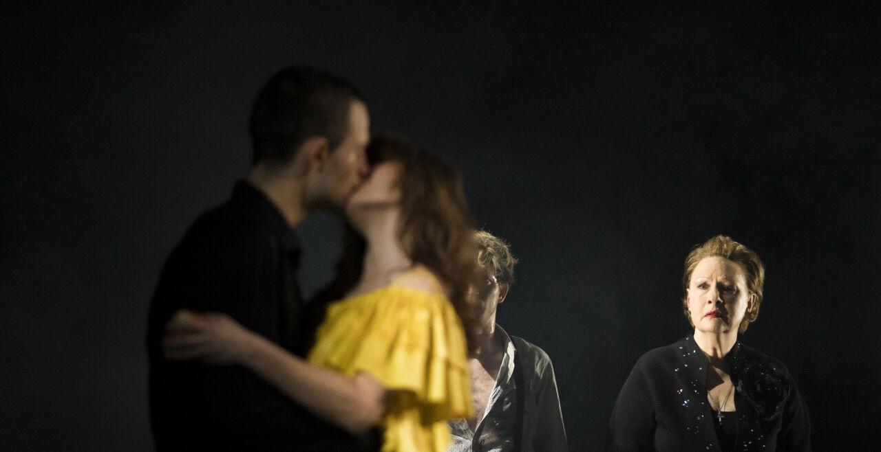Einsame Menschen: Volkstheater - © Foto: © Nikolaus Ostermann / Volkstheater