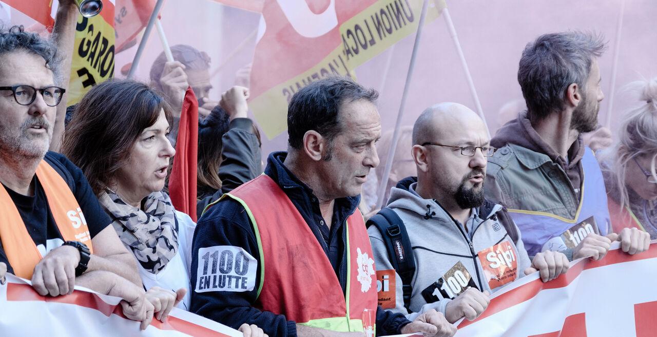 Streik - Vincent Lindon (Mi.) spielt den Arbeitnehmervertreter Laurent Amédéo, der seine Belegschaft zu einen versucht. - © Filmladen