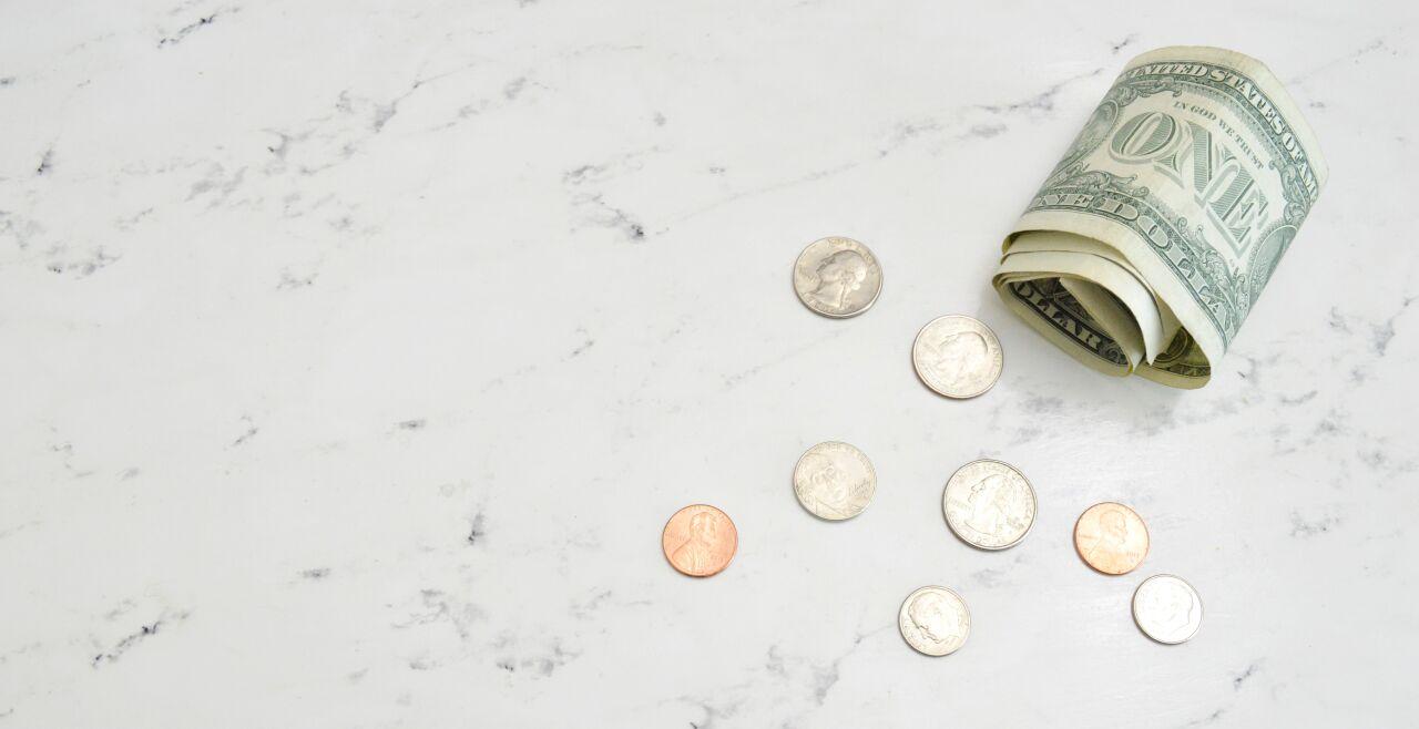 Geld - © Katie Harp / Unsplash