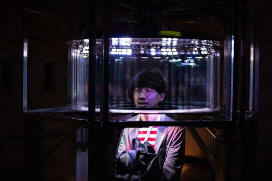 """Ars Electronica - Ein Mausoleum für das Internet? Die kinetische Installation """"The Object of the Internet"""" evoziert mit mechanischen Mitteln den Eindruck einer virtuellen Realität. - © Ars Electronica"""