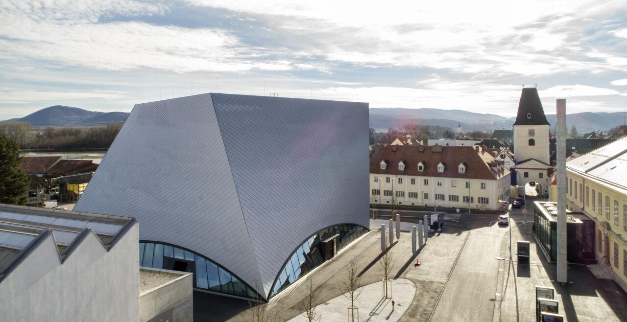 Kunstmeile Krems - <strong>Kunst in Krems</strong><br /> Das Architekten-Duo Bernhard und Stefan Marte gestaltete in Krems ein neues Zuhause für die umfangreichen Bestände der Landessammlungen Niederösterreich. - © Kunstmeile Krems, Foto: Faruk Pinjo